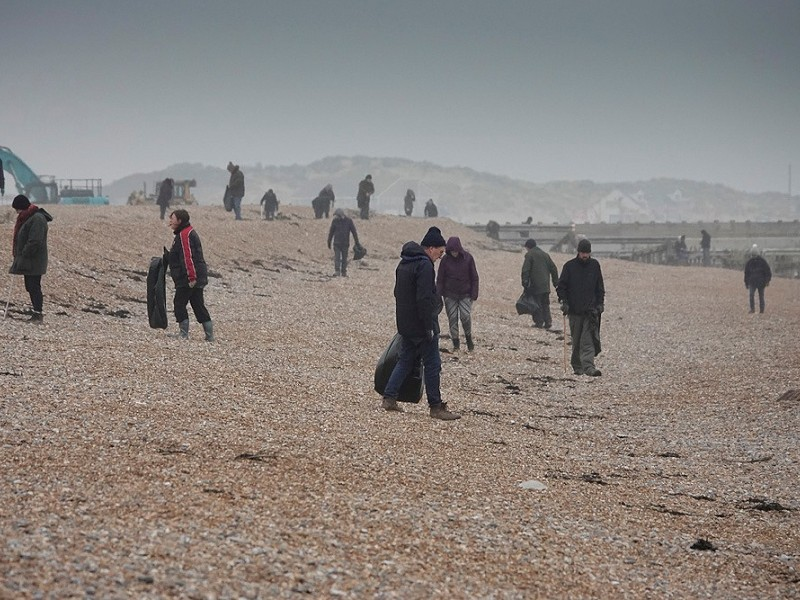 New family beach cleans at Rye Harbour