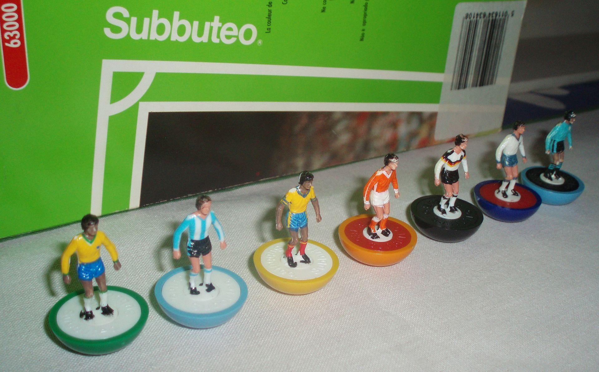 Subbuteo playersP1010292